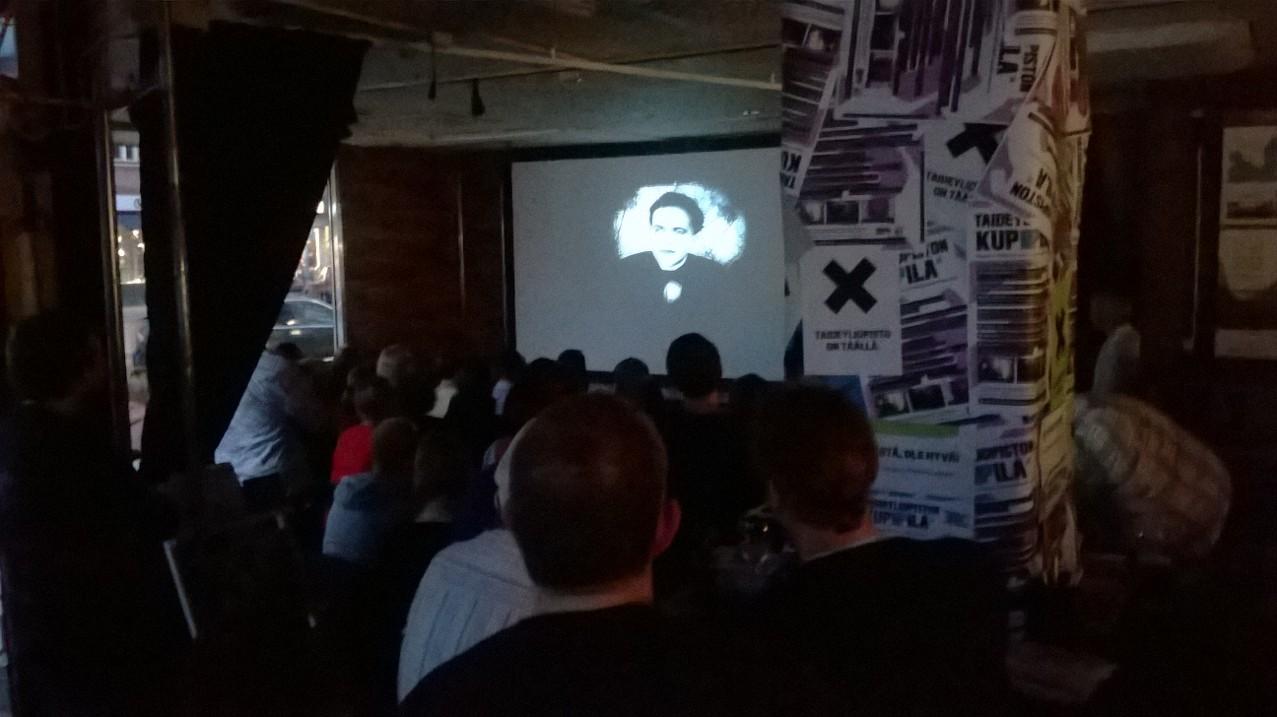 2 Kulttuurikuppila elokuva Nosferatu jonka säesti Laitakaupungin orkesteri 20141008 005