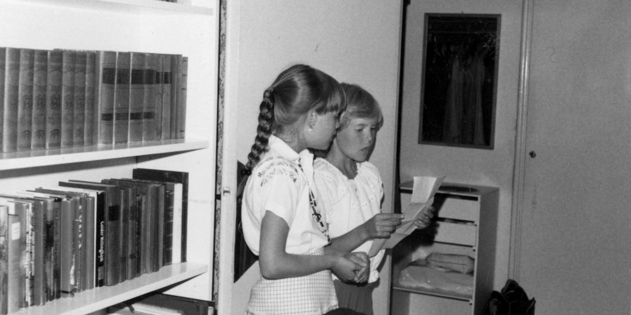 Toisista tietämättä, toisista välittämättä – Pölyä-kokoelma pöyhii suomalaisen uuden aallon kummajaisia
