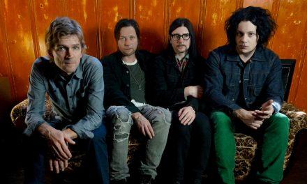The Raconteursin vuosikymmenen levytystauon jälkeinen Help Us Stranger on melkoinen sillisalaatti