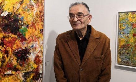 Rafael Wardin keltainen hehkuu ja lämmittää Salmelassa – 30-vuotisnäyttely jatkaa perinteisellä linjalla
