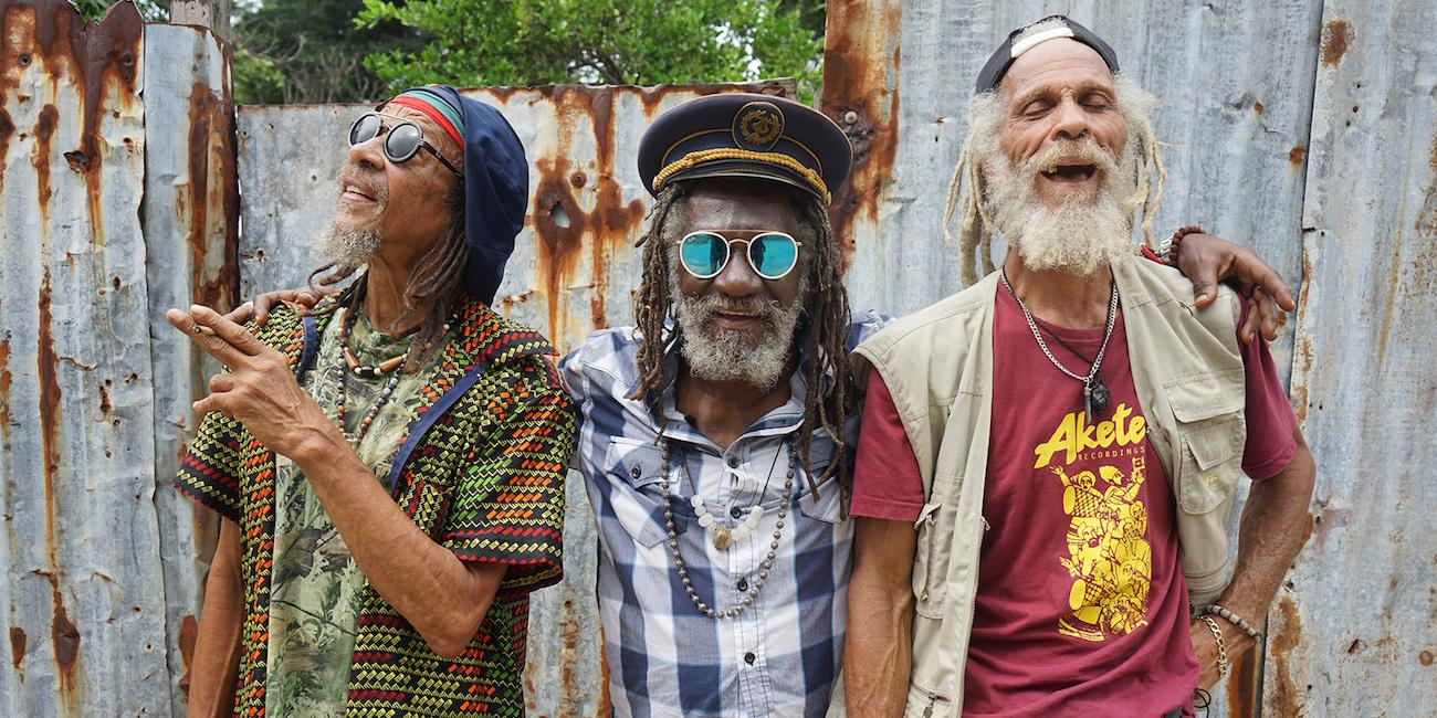 Reggaen veteraanit rauhan ja rakkauden asialla – Inna de Yard on herkkua 1970-luvun reggaen ystäville