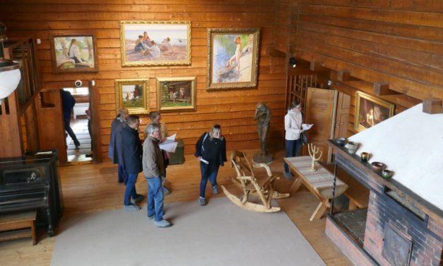 Kultakauden taitavat naiset lumoavassa Halosenniemessä – Naisia tupa täynnä -näyttely jatkuu syyskuulle