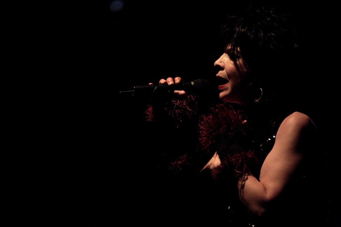 Laulaja Julee Cruise.