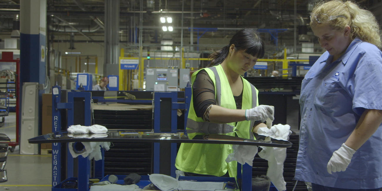 Viikon dokumentti: American Factory – eli tarina kulttuurien törmäämisestä ja työläisten oikeuksista