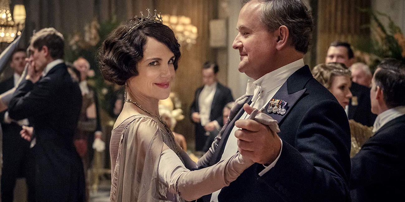 Elizabeth McGovern ja Hugh Bonneville tanssivat Downton Abbey -elokuvassa