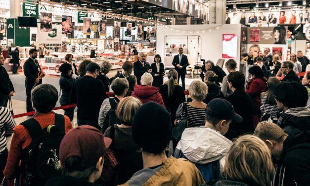 Helsingin kirjamessuille saapuu yli tuhat esiintyjää – messujen teemamaa on Ranska