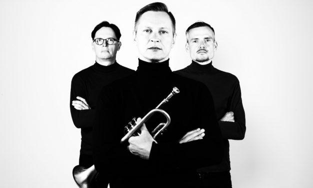 Jukka Eskola Soul Trio luo retropohjalta nautittavaa uutta musiikkia – arvostelussa albumi Steamy!