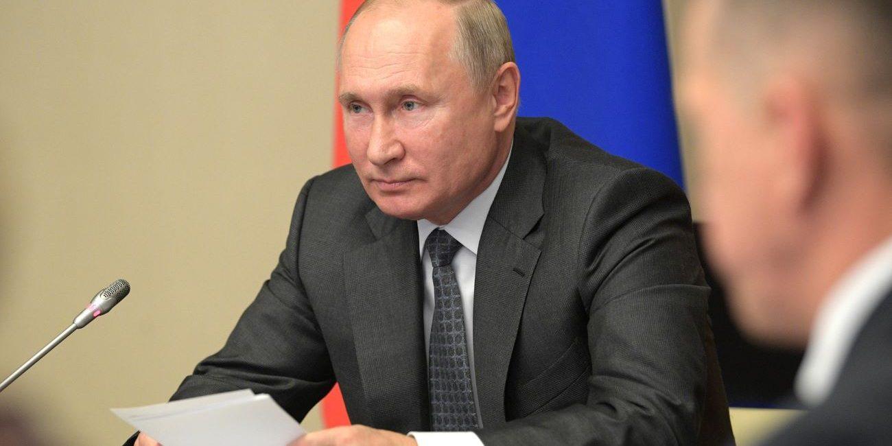 Arvo Tuominen hahmottelee koko tarinaa Vladimir Putinista, mutta jotain joudutaan vielä odottamaan