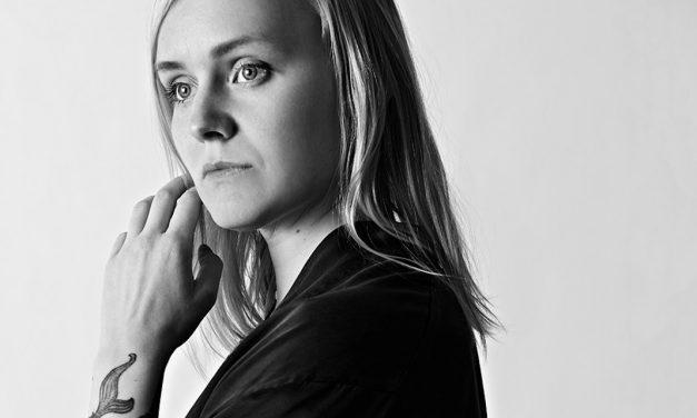 The Hearingin kolmas levy hukuttaa johtotähtensä efektipuuroon – arviossa Ruusut-laulajan albumi Demian