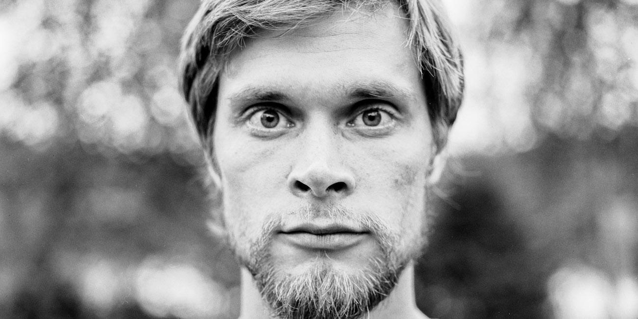 Runoilija Jonimatti Joutsijärvi.