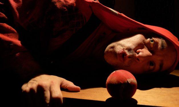 Riivaajat-näytelmä pureutuu vallankumouksellisen solun dynamiikkaan, mutta samalla myös ihmisyyteen