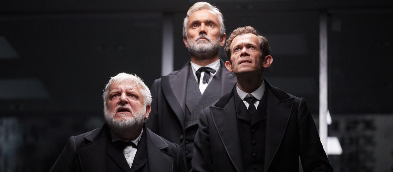 The Lehman Trilogy on kolmen näyttelijän suuri tragedia – näin murtui amerikkalainen unelma