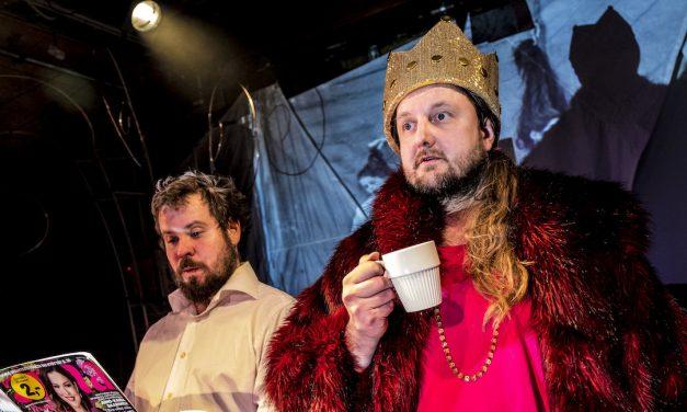 Ecce Homo, Rigor Mortis – arvostelussa Teatteri Telakan ensi-iltanäytelmä Jussi & Jussi
