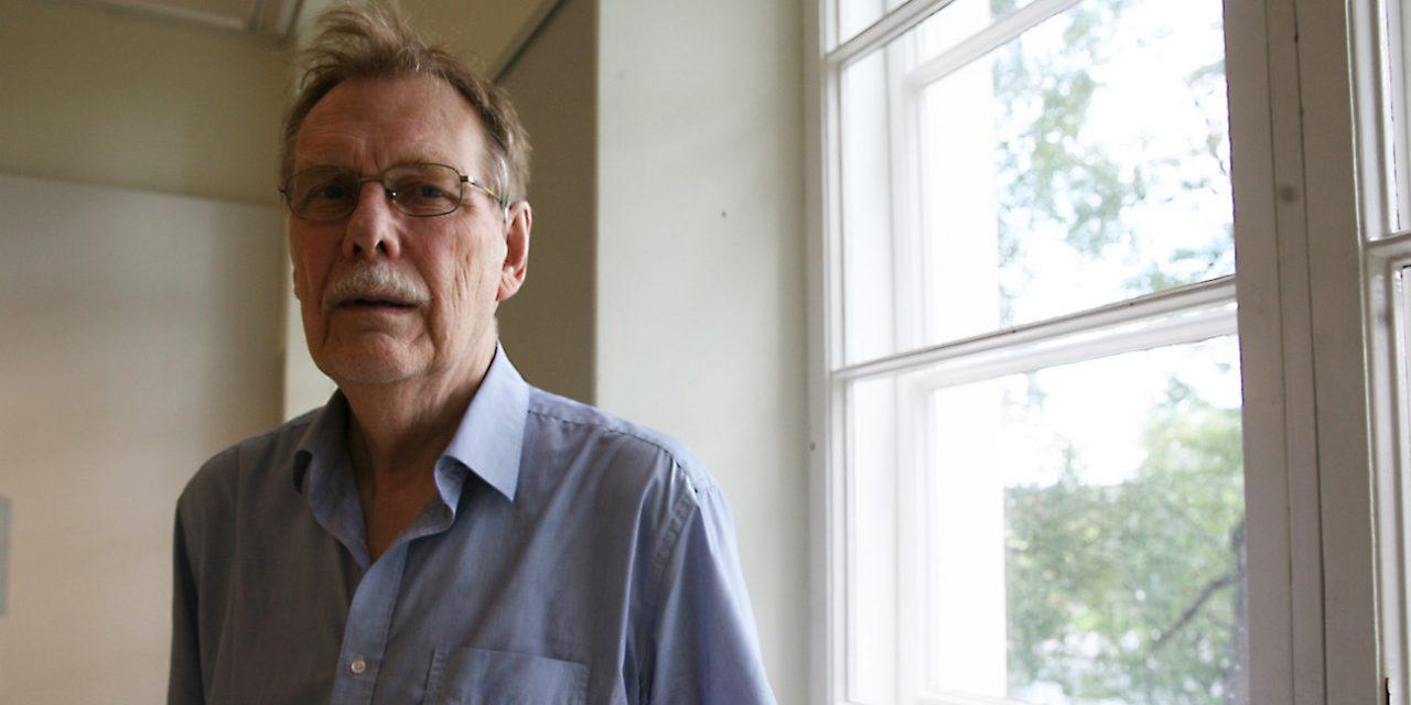 Tamperelaisen runoilijan ja kääntäjän Kari Aronpuron vuosi on ollut huima: kolme kirjallisuuspalkintoa