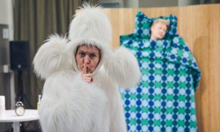 Teatteri Siperian sovitus Apo Apposesta on hauska, muttei yhtä hervoton kuin alkuperäinen kirjasarja