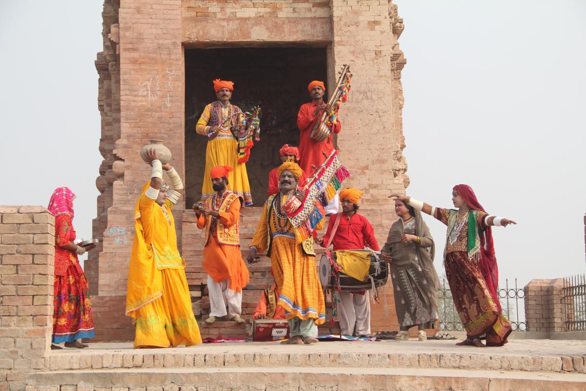 Viimeiset laatuaan – Indus Blues on vuosisatoja vanhojen, katoavien musiikkiperinteiden jäljillä
