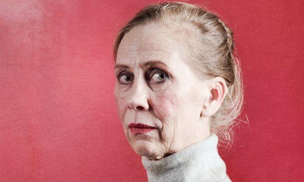 """Majaoja-säätiön palkitsema näyttelijä Kati Outinen: """"On hetkiä, jolloin tekee mieli vaihtaa alaa"""""""