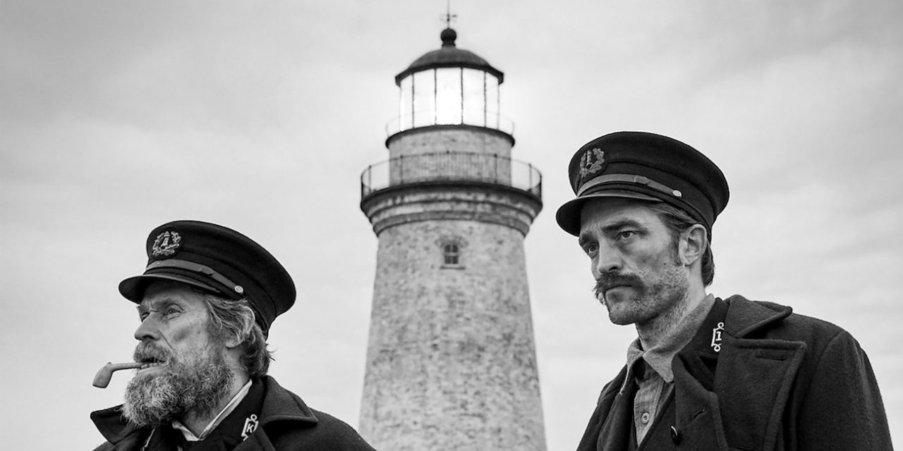 Pattinson ja Dafoe säiden armoilla – The Lighthouse luo kauhua luonnon ja esineiden avulla