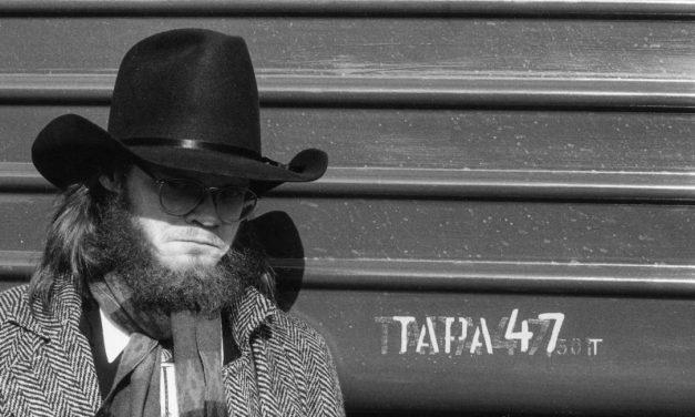 Rakkaudenkaipuun ruhtinaan elämä ja teot – Mystinen metsätyömies kertoo muusikko Pekka Myllykoskesta