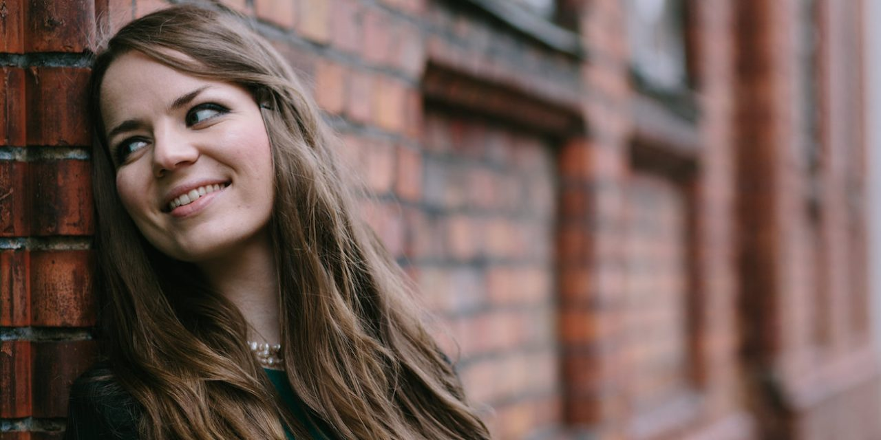 """Kuukauden säveltäjä Cecilia Damström: """"Otan musiikissani mielelläni kantaa yhteiskunnallisiin asioihin"""""""