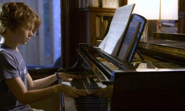 Mitä kuuleminen on? Moonlight Sonata: Deafness in Three Movements pohtii elämää, aistimista ja identiteettiä