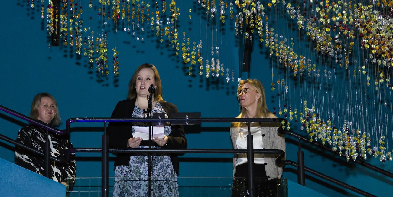 Muumimuseon vaihtuvassa näyttelytilassa juhlitaan 75-vuotiaan Muumiperheen merimatkoja