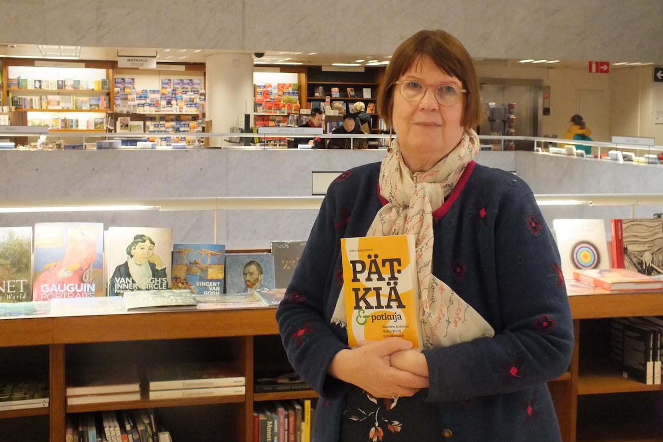 Riittäisi kun tuntisi lain ja ihmistä – Sirpa Pääkkönen teki tärkeän kirjan naisten kokemasta ikäsyrjinnästä