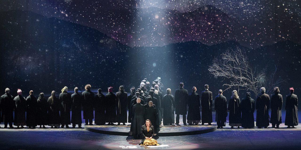 Kumpi kahdesta Carmenista vie voiton? Kriitikko katsoi klassikon Tampereella oopperana ja Helsingissä balettina