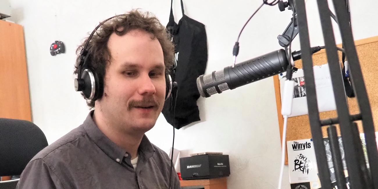 Marginaalimusiikin mestari soittaa kaiken – Lauri Niemisen radio-ohjelmassa voi kuulla mitä tahansa