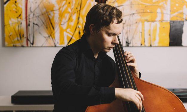 Ville Herralan hillitön soolobassoilu yllättää kokeneenkin jazzin kuuntelijan – arvostelussa Pu.-albumi