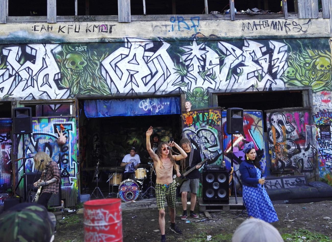 Kulttuuripotretit #33: Pystyyn kuolleet hipit