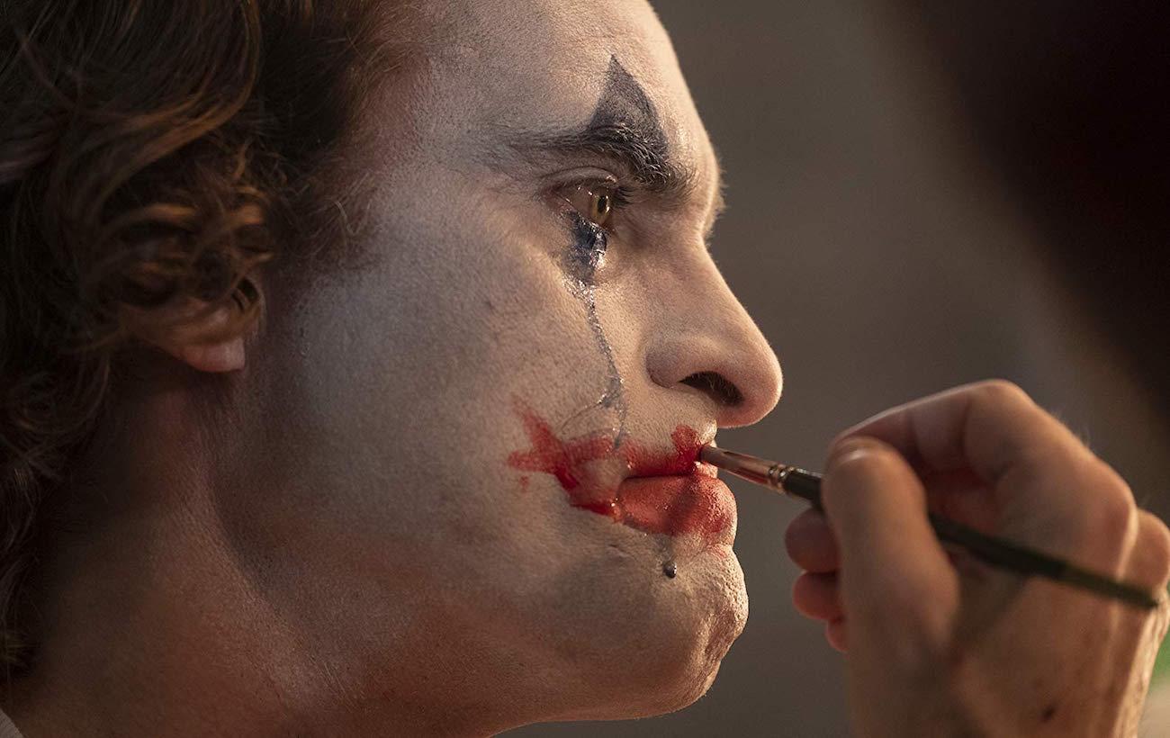 Joaquin Phoenix Jokerina Todd Phillipsin uudessa Joker-ensi-iltaelokuvassa.