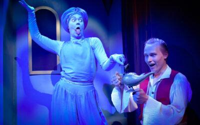 Tampereen Komediateatterin Aladdin ja taikalamppu tuo näyttämölle nuorta energiaa