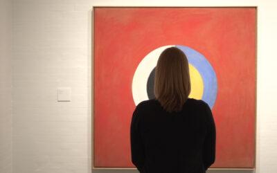 Uusi Hilma af Klint -dokumentti saa todella pohtimaan, miten taiteilijan pitää elää ja toimia