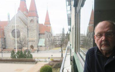 Jaakko Heinämäki kirjoitti romaanin neuvostoliittolaisesta sotavangista, josta tulee tavallinen ihminen ja isä