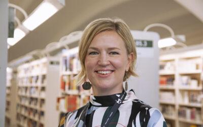 Niina Salmenkangas aloitti Tampereen kirjastopalvelujohtajana – Demokratia, sananvapaus, vuorovaikutus, avoin tiedonkulku ja tasavertaisuus