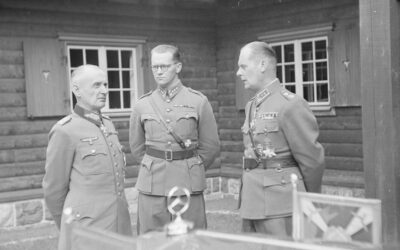 Kalle Lehmuksen uskomaton ura: Miten demaritoimitsijasta tuli eversti ja puolustusministeri, joka ehdotti ydinaseen sallimista Suomelle?
