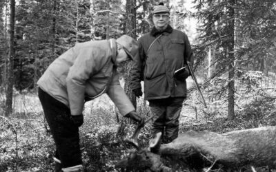 Mäntän patruunan elämäkerta kasvaa vaurastuvan Suomen syntytarinaksi – arviossa Serlachius-teos Savunharmaa eminenssi