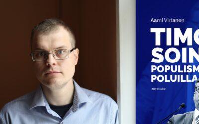 """Timo Soini lensi korkealla ja tuli alas ryminällä – Aarni Virtasen elämäkerta avaa tarkasti """"vanhan samurain"""" poliittista matkaa"""