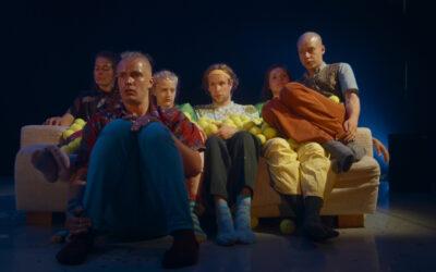 Suomalaisen kulttuurin tragikoominen helmi kalsarikännit nyt myös tanssielokuvana