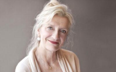 Olive Kitteridge järjestää pikkukaupungin asiat – Elizabeth Stroutin kepeä tyyli kaappaa lukijan mukaansa