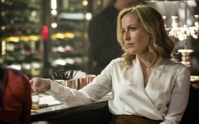 Kumpi löytää kumman ensiksi: Gillian Andersonin esittämä ylikomisario sarjamurhaajan vai tappaja poliisin?