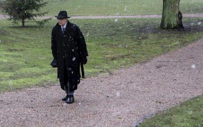 Uotinen goes Kekkonen manaa esiin presidenttipyhimyksen haamua, joka hiihtää, saunoo ja pohtii Neuvostoliittoa