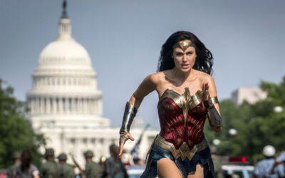 Ihmenainen ja keskinkertaisuuden ansa – arviossa Wonder Woman 1984