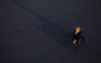 Yona palaa väkevällä albumilla, jolle sinfoniaorkesteri antaa siivet