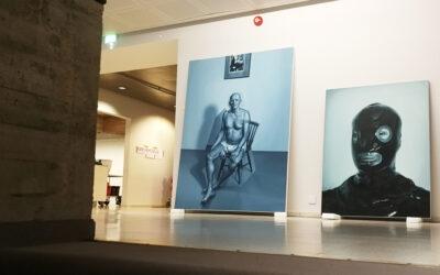 Kari Vehosalo tutkii ihmisen paikkaa maailmassa, näyttely valtasi koko Sara Hildénin taidemuseon