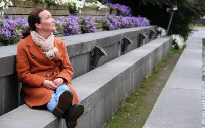 Kuka sinua ohjaa? @hyvinvointivalhe-monologi on näyttelijä Mia Vuorelan unelmien työ