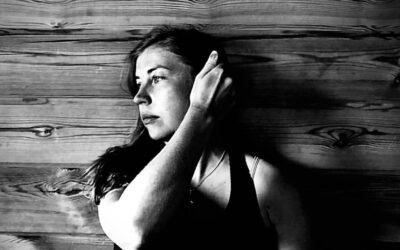 Tiina Katriina Tikkanen: Turhaan kuvittelin hänet perhosena (ensimmäinen palkinto)