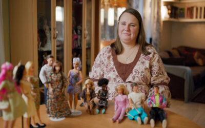 Dokumentti entisten lasten Barbie-suhteesta katselee legendaarista nukkea kymmenestä henkilökohtaisesta vinkkelistä